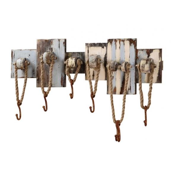 Puidust nelja konsuga nagi, nööridega kaunistatud