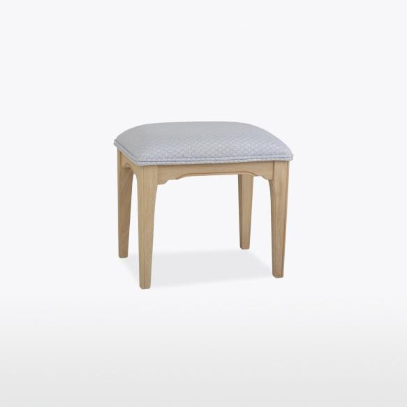 kangaga polsterdatud taburet