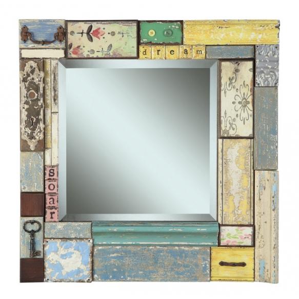 Puuklotsidest raamiga kaunistatud peegel