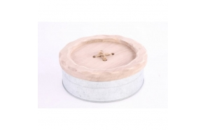 LARGE BUTTON LID SEWING BOX