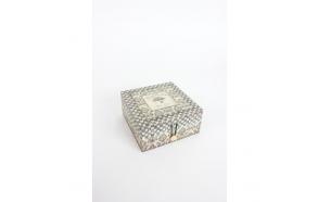 PATTERNED KEEPSAKE BOX